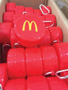 Copos Extensíveis reutilizáveis personalizados com o logo do McDonalds