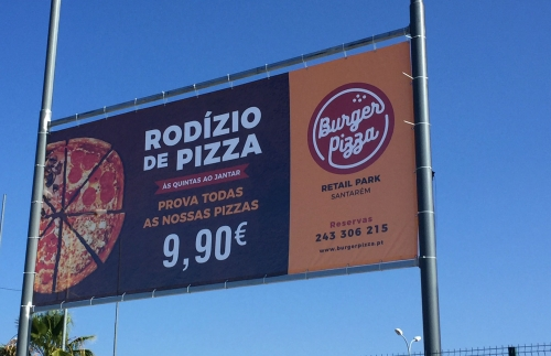 Outdoor personalizado para a Burger Pizza